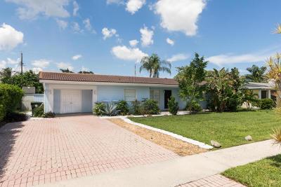 Boca Raton Single Family Home For Sale: 19 Forest Hills Lane