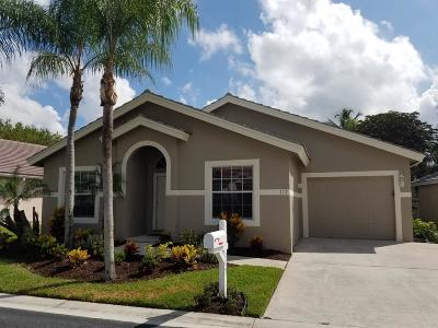 West Palm Beach Single Family Home For Sale: 117 Caribe Court