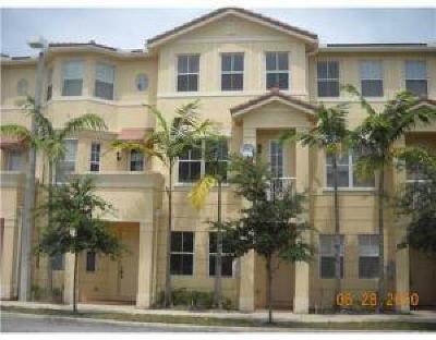 Royal Palm Beach Townhouse For Sale: 2290 Shoma Drive