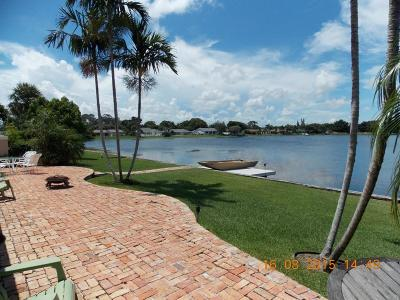 West Palm Beach Single Family Home For Sale: 946 S Patrick Circle
