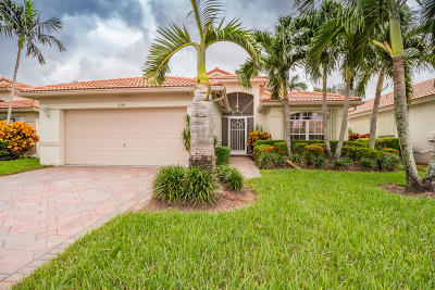 Boynton Beach Single Family Home For Sale: 5688 Royal Club Drive