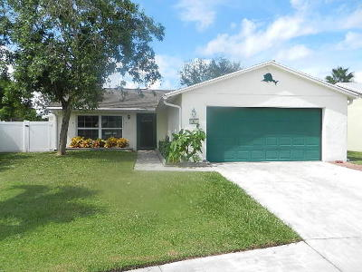 Jupiter Single Family Home For Sale: 162 Banyan Circle