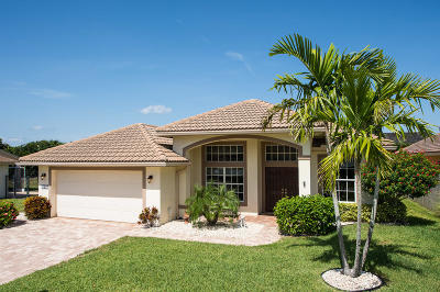 Tequesta Single Family Home For Sale: 561 Cypress Drive