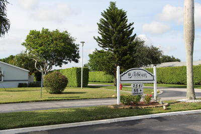 West Palm Beach Single Family Home For Sale: 2641 Gately Drive W #302