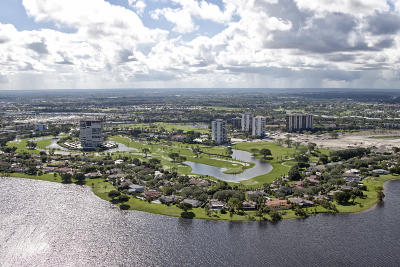 West Palm Beach Condo Sold: 2450 Presidential Way #905
