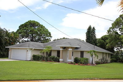 Single Family Home Sold: 2106 SE Dolphin Road