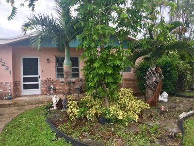 Deerfield Beach Single Family Home For Sale: 3221 SW 1st Court