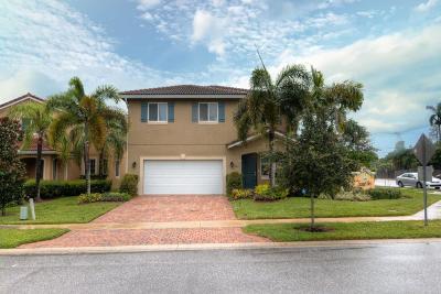 West Palm Beach Single Family Home For Sale: 981 Siesta Drive