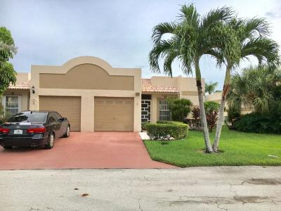 Boca Raton Single Family Home For Sale: 9201 Fairbanks Lane #1