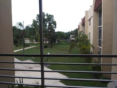 West Palm Beach Condo Sold: 1630 Embassy Drive #206