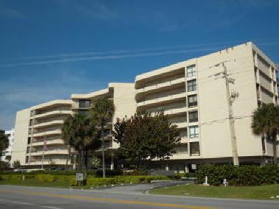 South Palm Beach Condo For Sale: 3610 S Ocean Boulevard #306