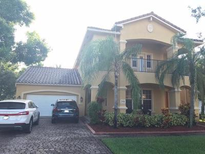 West Palm Beach Single Family Home For Sale: 748 Cresta Circle
