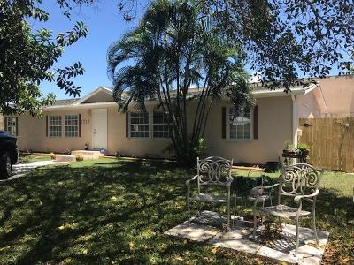 Lake Worth Single Family Home For Sale: 1712 E Terrace Drive