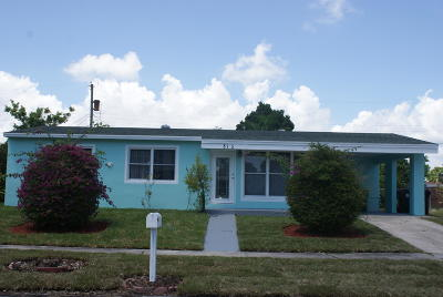 Lake Worth Single Family Home For Sale: 813 Small Drive