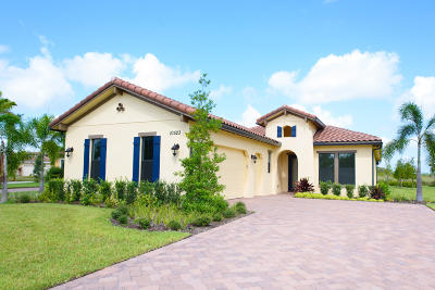 West Palm Beach Single Family Home For Sale: 10523 Starling Way