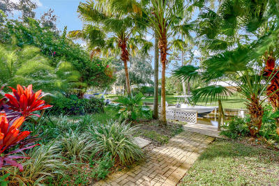 Tequesta Single Family Home For Sale: 9353 SE Cove Point Street