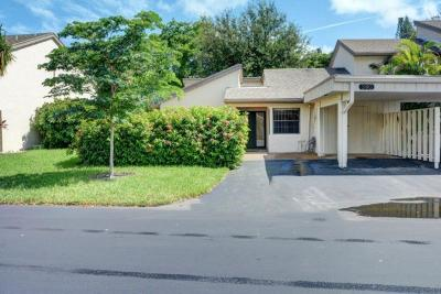 Deerfield Beach Single Family Home For Sale: 380 Deer Creek Wildwood Lane E
