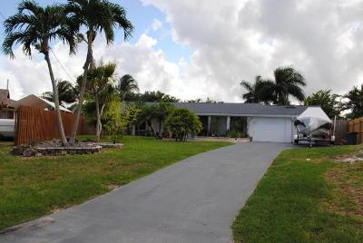 Lake Worth Single Family Home For Sale: 6933 Bayshore Drive