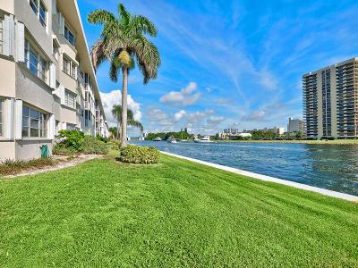 North Palm Beach Condo For Sale: 28 Yacht Club Drive #309
