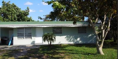 West Palm Beach Single Family Home For Sale: 564 Vossler Avenue