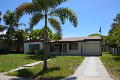 Palm Beach Shores Single Family Home For Sale: 226 Sandal Lane