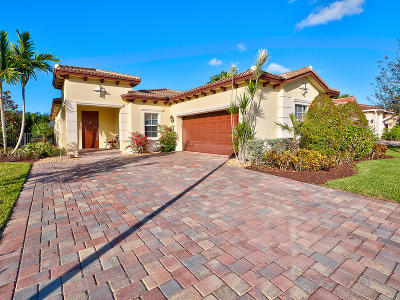 Jupiter Single Family Home For Sale: 119 Whale Cay Way