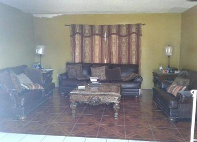 West Palm Beach Single Family Home For Sale: 107 S Chillingworth Drive