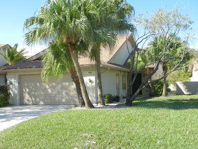Jupiter Single Family Home Contingent: 106 Sand Pine Drive