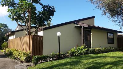 West Palm Beach Single Family Home For Sale: 4938 Alder Drive #D