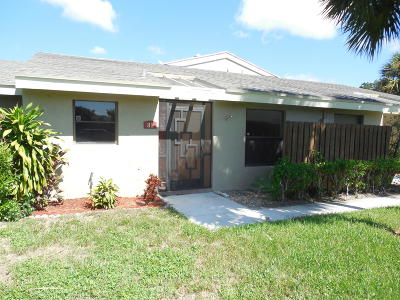 Boynton Beach Single Family Home For Sale: 81 Meadows Drive