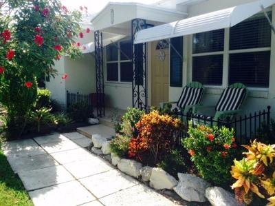 West Palm Beach Single Family Home For Sale: 320 Sandal Lane