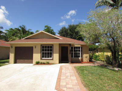 Boynton Beach Single Family Home For Sale: 10073 Boynton Place Circle