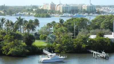 South Palm Beach Condo For Sale: 3589 S Ocean Boulevard #909