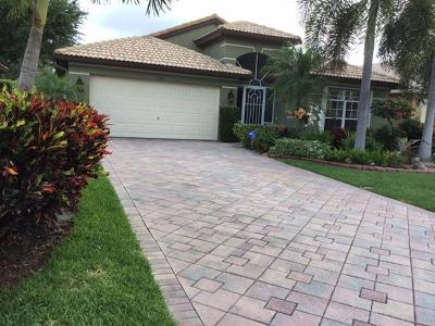 Boynton Beach Single Family Home For Sale: 5975 Royal Isles Boulevard