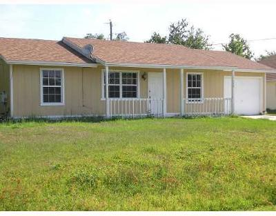 Port Saint Lucie Single Family Home For Sale: 577 SW Lakehurst Drive