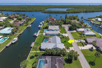 Hobe Sound Single Family Home For Sale: 8579 SE Sabal Street