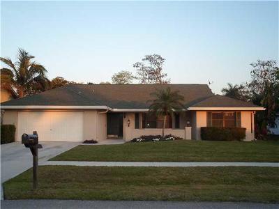 Wellington Single Family Home For Sale: 721 Juniper Place