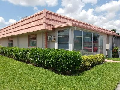 Delray Beach FL Condo For Sale: $42,000