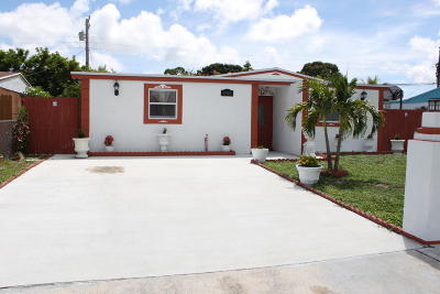 West Palm Beach Single Family Home For Sale: 5764 Gramercy Drive