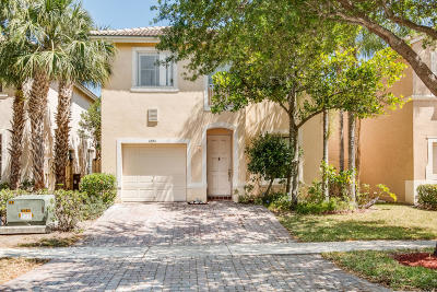 West Palm Beach Single Family Home For Sale: 4384 Lake Lucerne Circle