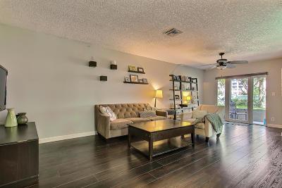 Boca Raton Townhouse For Sale: 5116 Pointe Emerald Lane #5116