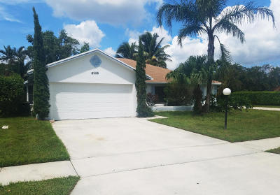 Lake Worth Single Family Home For Sale: 8555 White Egret Way