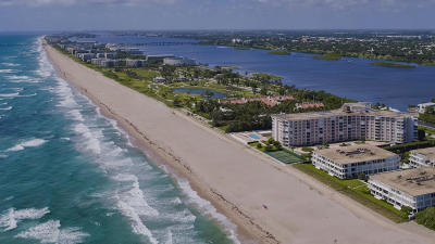 Palm Beach Condo For Sale: 2295 S Ocean Boulevard #222