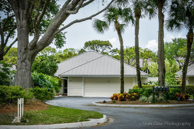 Stuart Single Family Home For Sale: 5203 SE Club Way