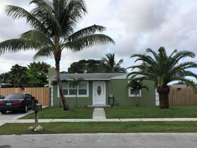 West Palm Beach Single Family Home For Sale: 621 Elm Road