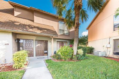 Palm Beach Gardens FL Townhouse For Sale: $199,000