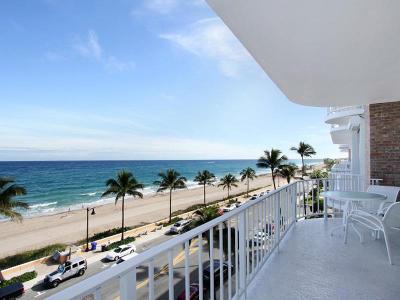 Palm Beach Condo For Sale: 100 Worth Avenue #610