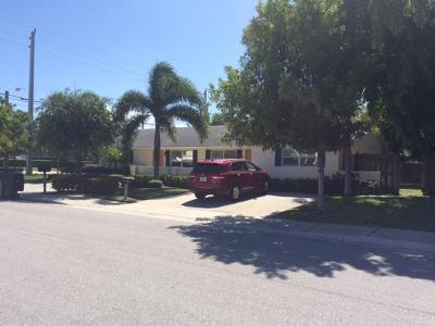 Delray Beach Multi Family Home For Sale: 930 SW 13th Avenue