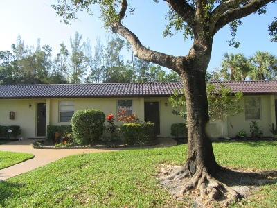 West Palm Beach Single Family Home For Sale: 102 Lake Olive Drive