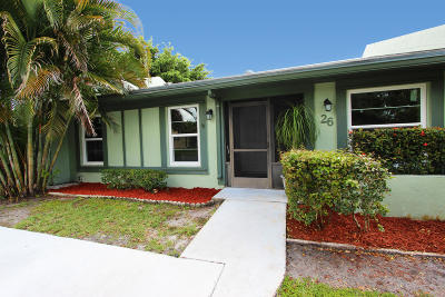 Boynton Beach Single Family Home For Sale: 26 Camden Lane